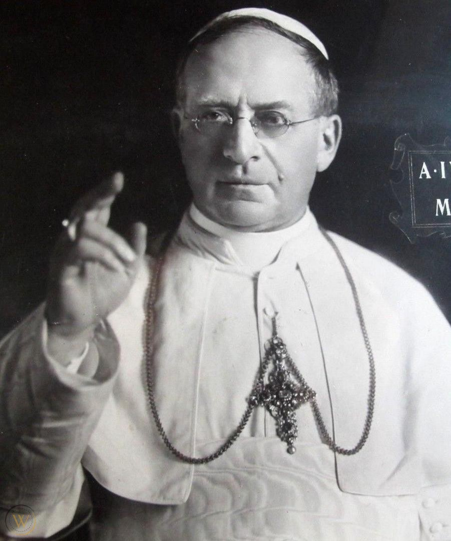 large-pope-pius-xi-photo-signed-1925_1_a90387b8a1eca3651f343e47b1e895d9 (1)